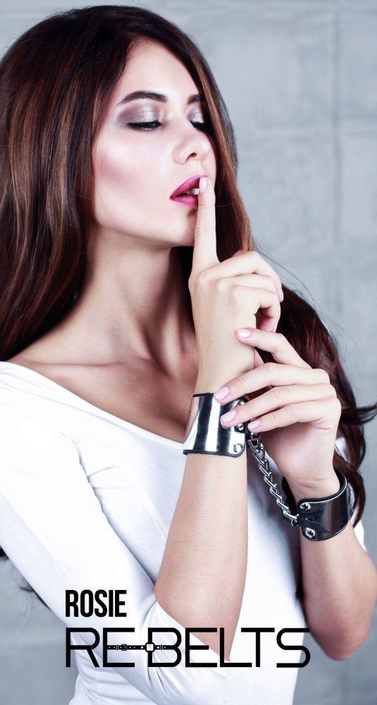 Черные наручники с зеркальным элементом Rosie Black-11489